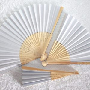 Papierfächer aus Bambus