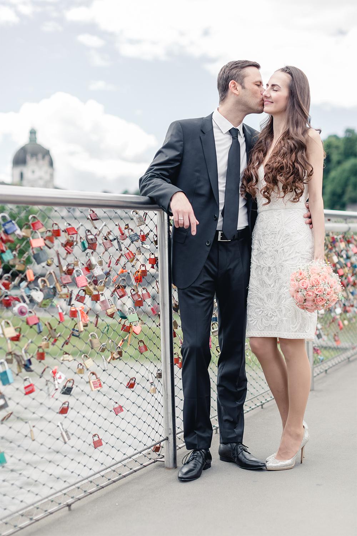 Brautpaar Markartsteg Liebesschlösser