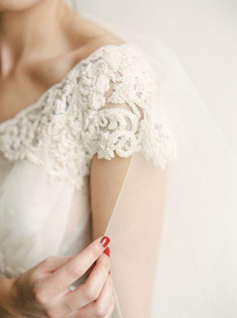 Foto: Melanie Nedelko - Lena Hosckek - Details Hochzeitskleid