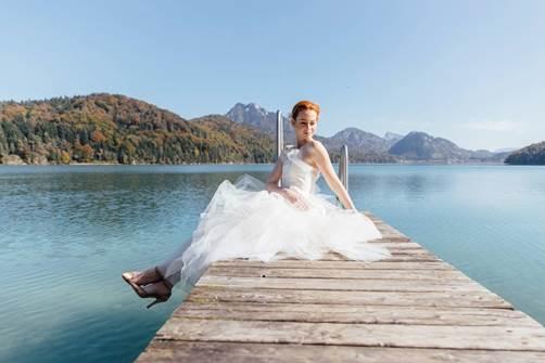 Die Braut am See | Foto (c) Tony Gigov