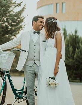 Hochzeitsanzug in weiß und grau