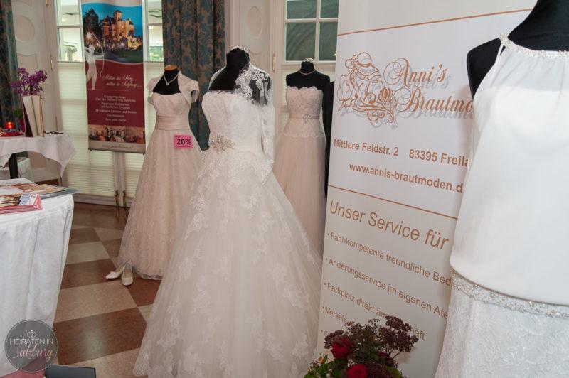 Kleider von Anni's Brautmoden Freilassing