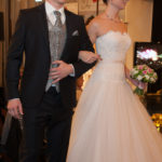 Modenschau von Brautkleidern & Herrenanzügen