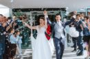 Das gefeierte Brautpaar vor St. Virgil