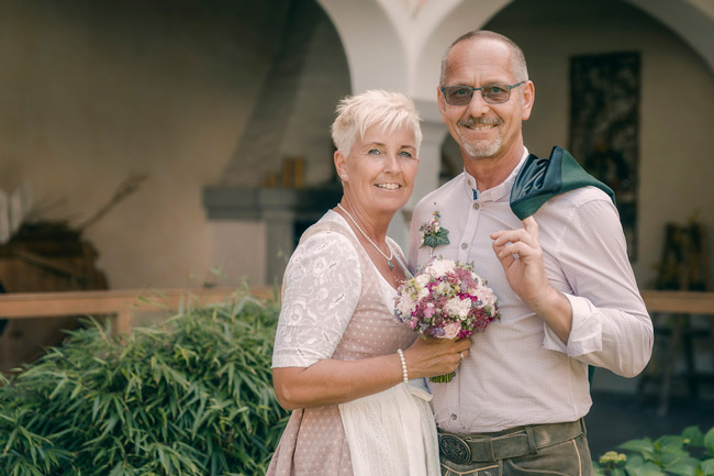 Brautpaar in Tracht fotografiert von Tau Light Media